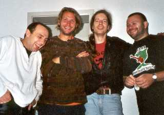 Yellowhouse, with Matze Pfund (r.) pictured in a Hotel after the show in Hamburg 08.09.2001